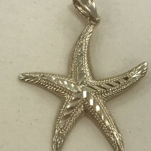 Jewelry - 14k yellow gold starfish charm
